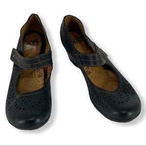 Sofft Black Leather Laser Cut Mary Janes size 7